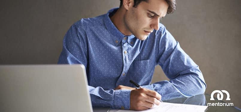 Abstract, Zusammenfassung schreiben für eine Seminararbeit, Hausarbeit, Bachelorarbeit oder Masterarbeit.