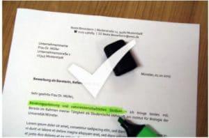Titelblatt der Bewerbung – ein Check beim Career Service ist möglich